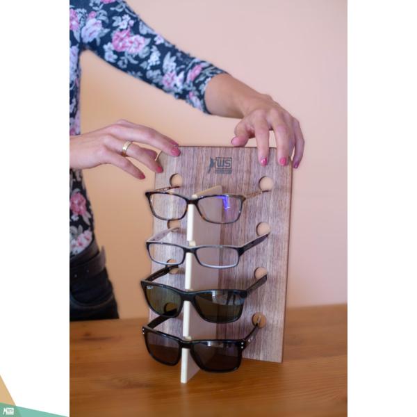 Szemüvegtartó (diófa és juharfa)